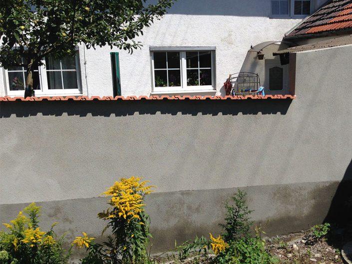 fertig verputze Mauer