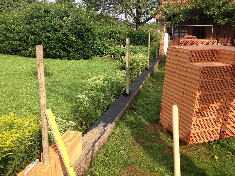 Walleshausen: Errichtung einer Gartenmauer